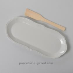 Plat à cake ovale collection Clara, /Pour une jolie présentation de vos cake ou de vos buches. /Idéal pour y mettre un duo tasse