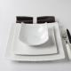 Esprit japonisant et forme contemporaine pour un repas chic et sobre./Fabriquée en europe