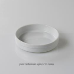 En porcelaine, il passe au four, au micro-ondes, et au lave-vaisselle./Polyvalent, fonctionnel et résistant, il maintient les pl