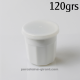 Ce pot à confiture avec son couvercle en plastique est idéal pour conserver vos confitures de prunes,