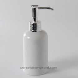Pompe à savon de forme ronde en porcelaine blanche./Contenance 26CL